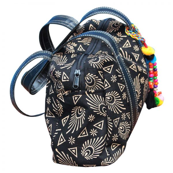 hand-bag-blak-colour